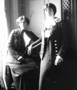 Nadia (seated) and Lili Boulanger in 1913